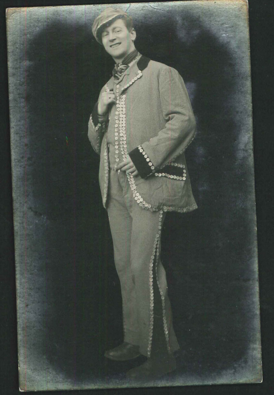 Postcard - People - Pearly King Frederick Purnell 1919